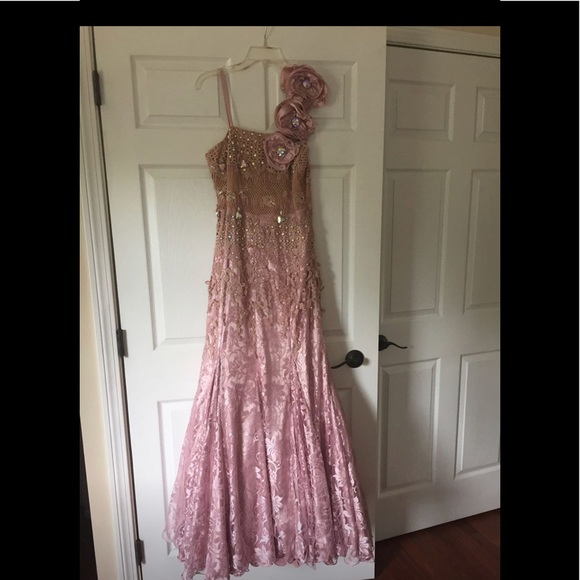 European Culture Dresses Evening Gown Size 16 Light Pink European